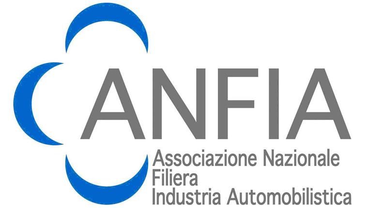 Trasporto merci su strada in Italia: il rapporto di ANFIA e ACI